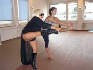 lada-gaga-bikram-yoga