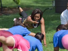 michelle_obama_yoga_lawn