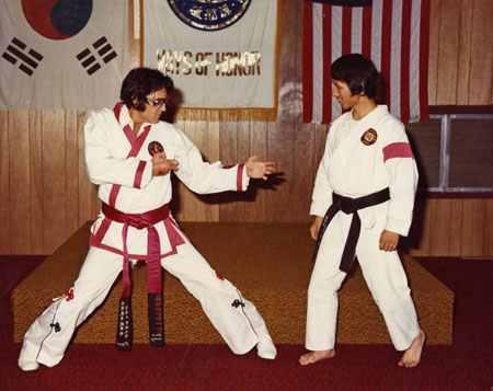 Elvis_doing_karate
